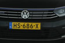 voorbumper en motorkap - lichte gebruiksplekjes