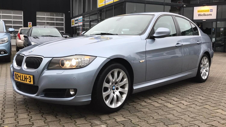 BMW 3-serie Sedan 2010 02-LLH-3 1
