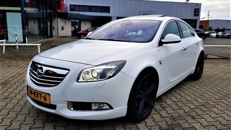 Opel Insignia Hatchback 2010 14-KVT-6 1