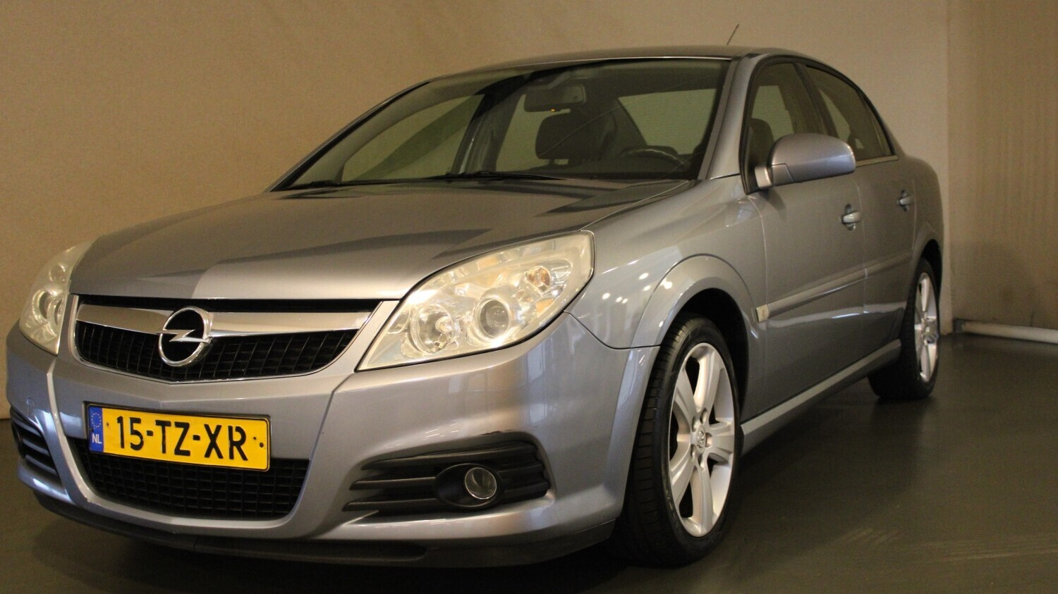 Opel Vectra Sedan 2007 15-TZ-XR 1