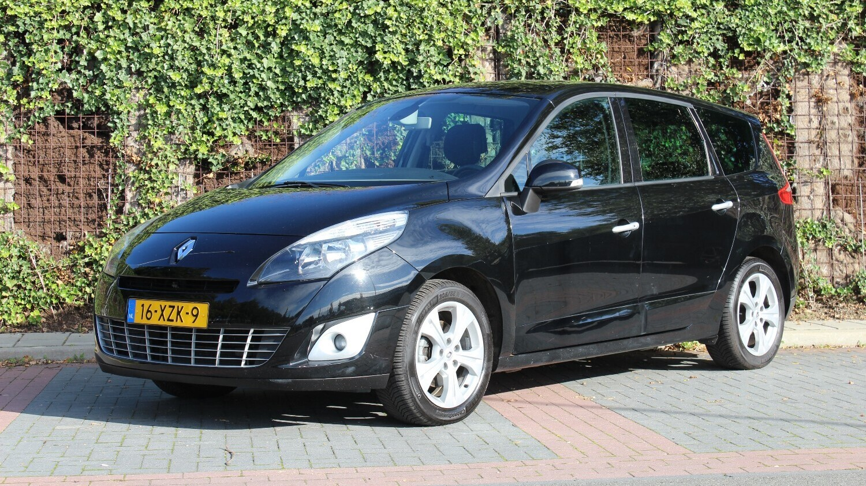 Renault Grand Scenic MPV 2011 16-XZK-9 1