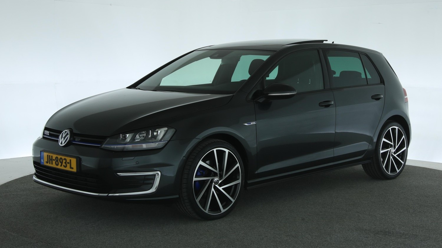 Volkswagen Golf Hatchback 2015 JH-893-L 1