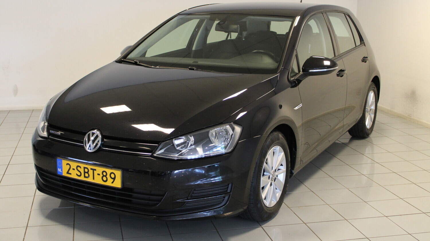 Volkswagen Golf Hatchback 2013 2-SBT-89 1