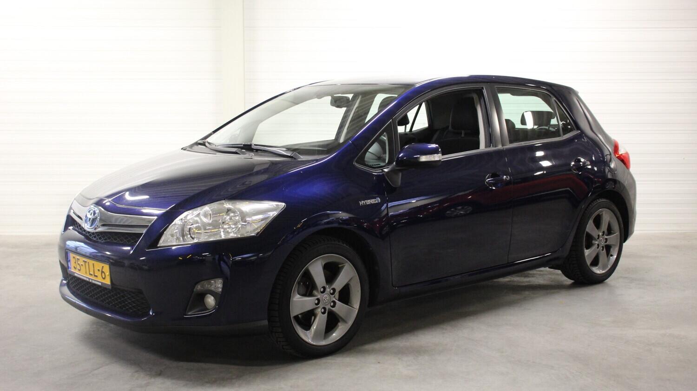 Toyota Auris Hatchback 2012 35-TLL-6 1