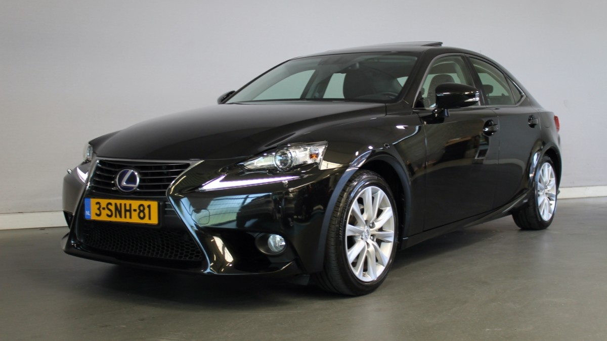 Lexus IS Sedan 2013 3-SNH-81 1