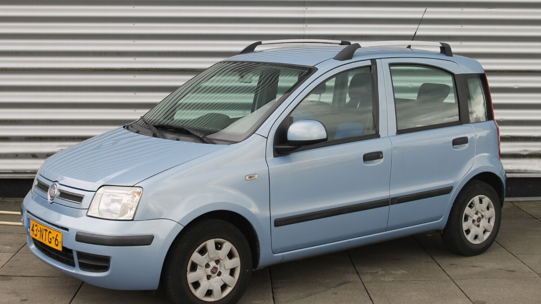 Fiat Panda Hatchback 2010 43-NTG-6 1