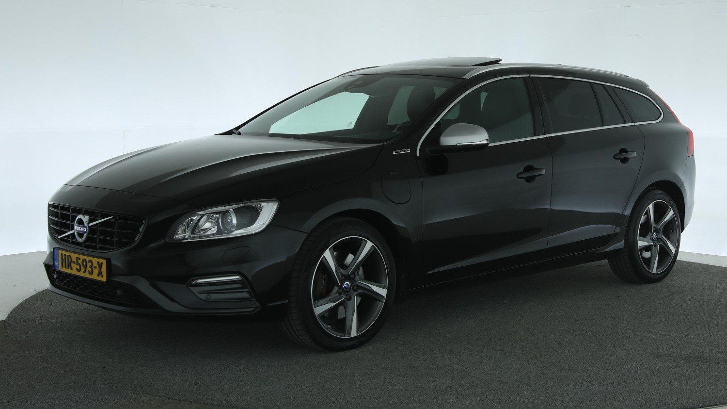 Volvo V60 Station 2015 HR-593-X 1