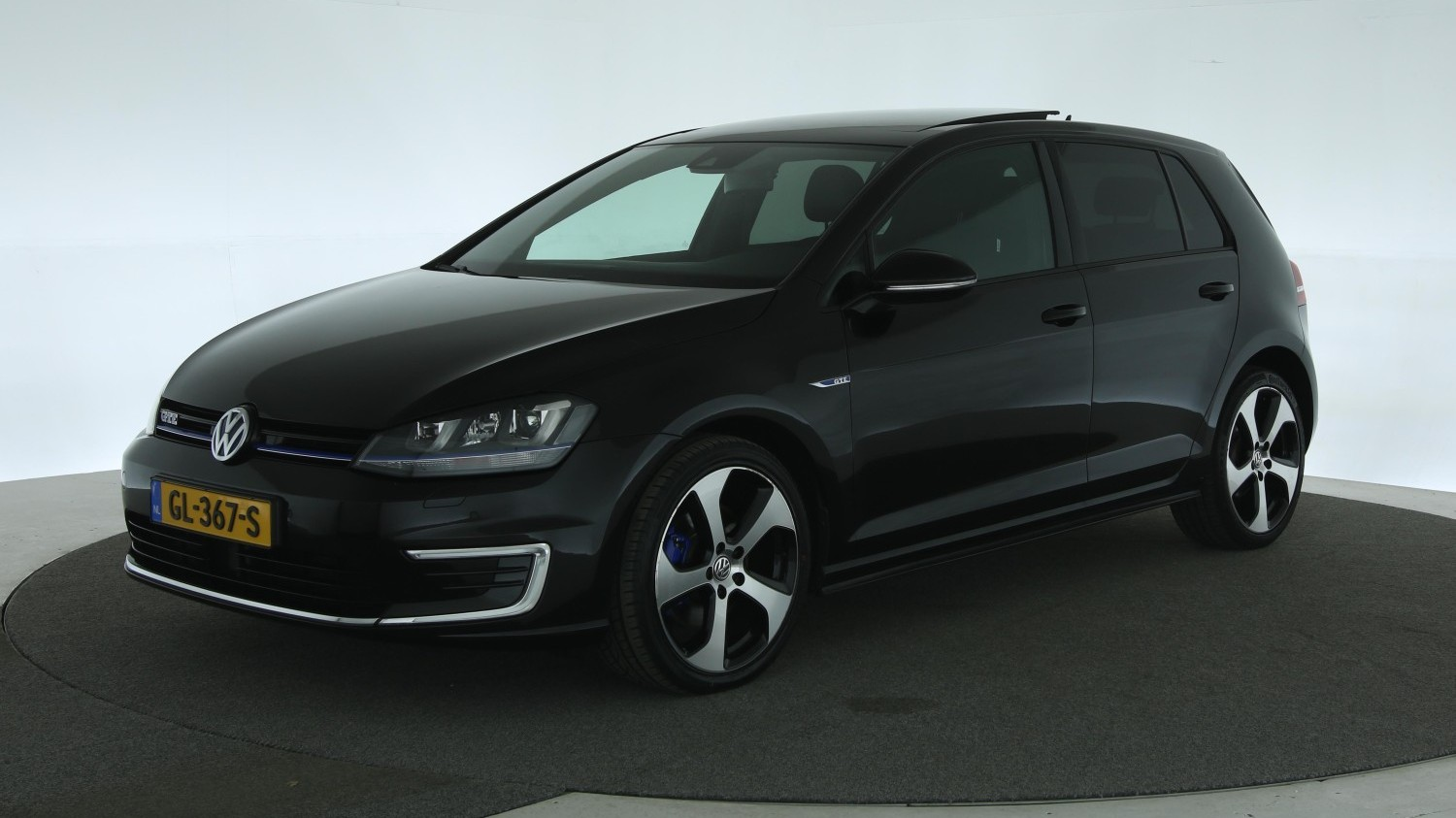 Volkswagen Golf Hatchback 2015 GL-367-S 1