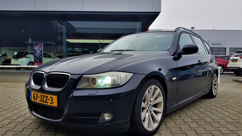 BMW 3-serie Station 2009 67-JZZ-3 1