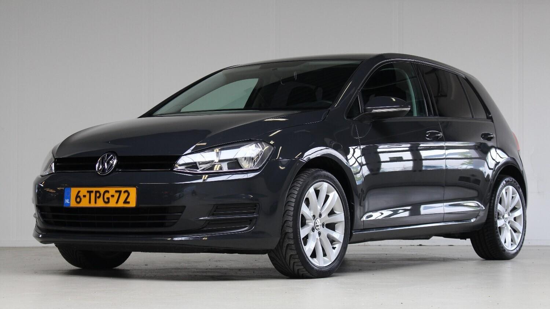 Volkswagen Golf Hatchback 2014 6-TPG-72 1