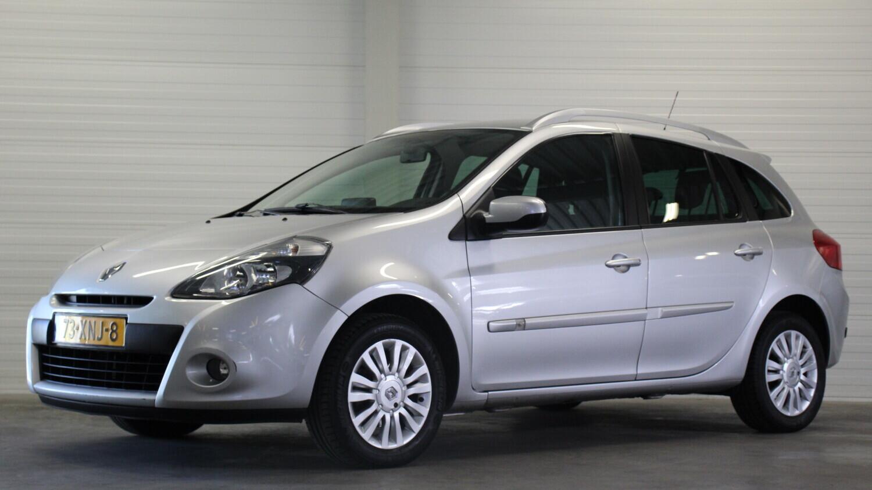 Renault Clio Station 2012 73-XNJ-8 1