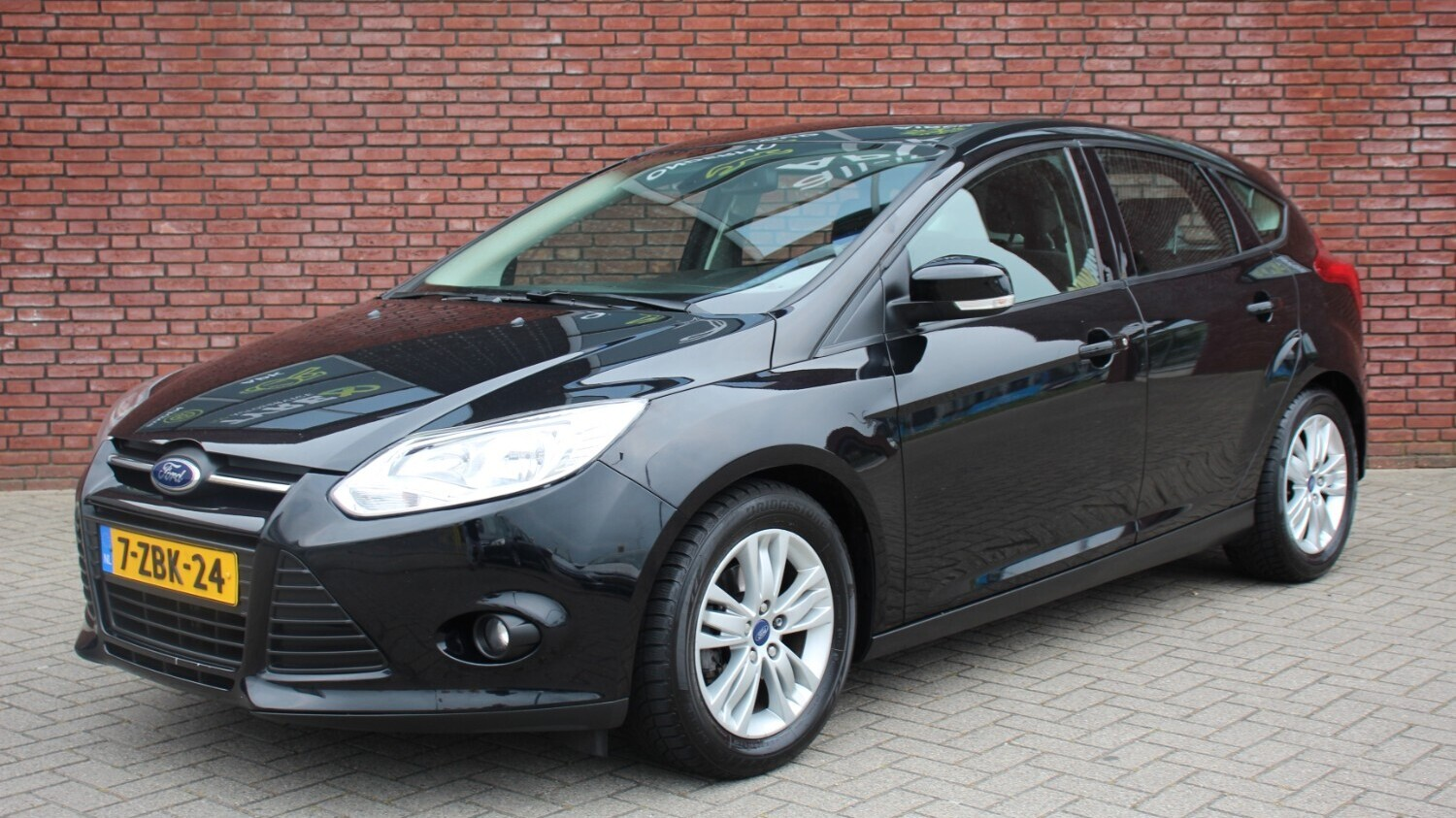 Ford Focus Hatchback 2012 7-ZBK-24 1
