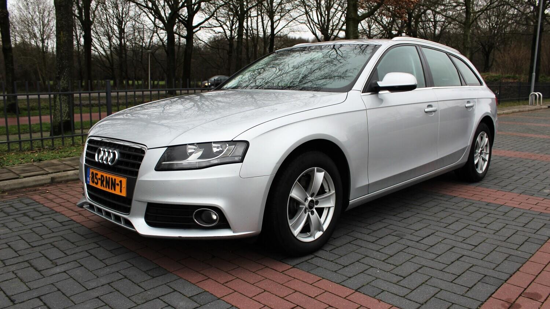 Audi A4 Station 2011 85-RNN-1 1