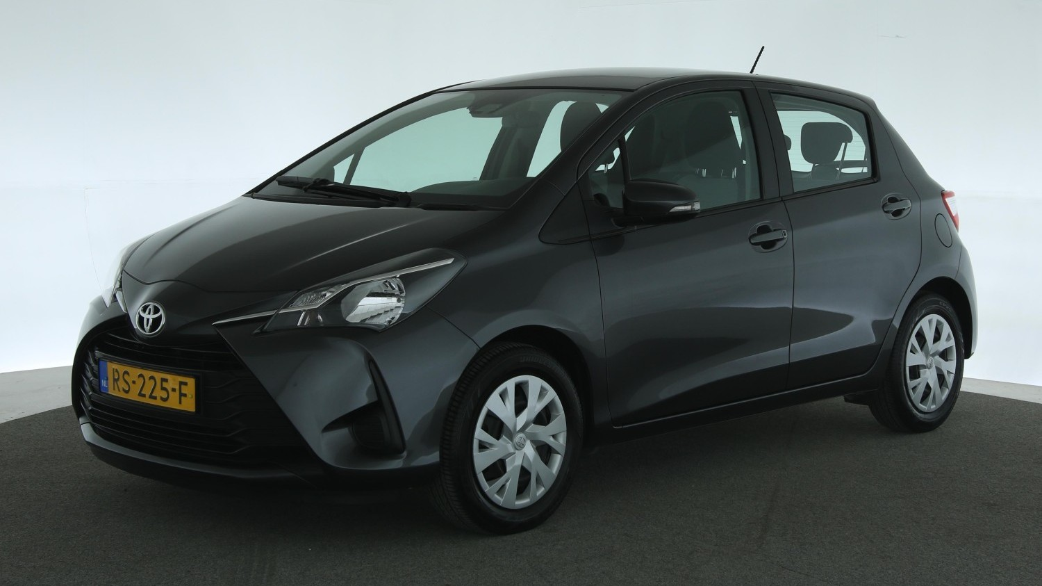 Toyota Yaris Hatchback 2018 RS-225-F 1