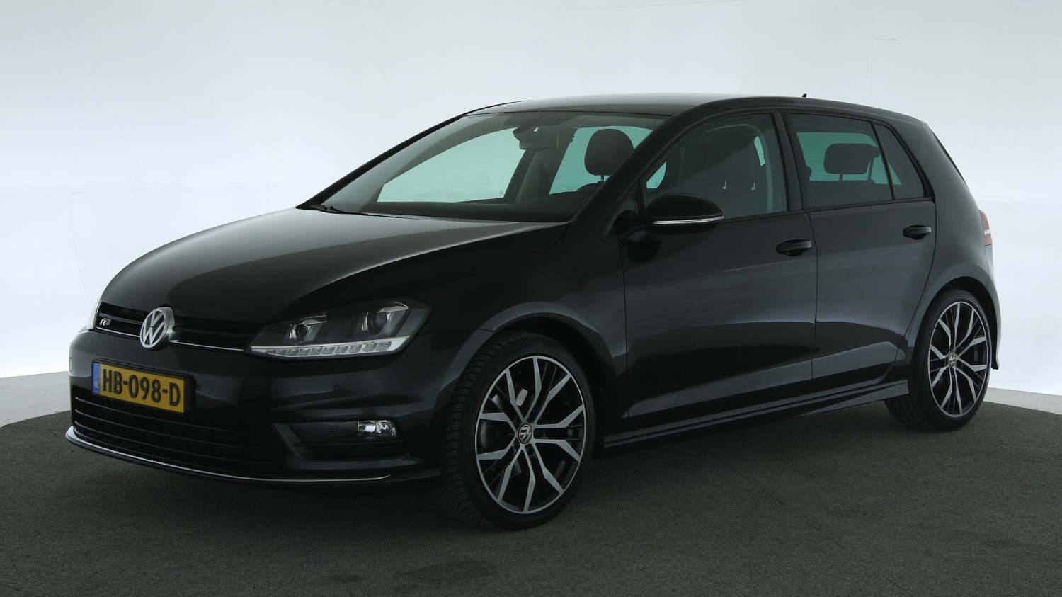 Volkswagen Golf Hatchback 2015 HB-098-D 1
