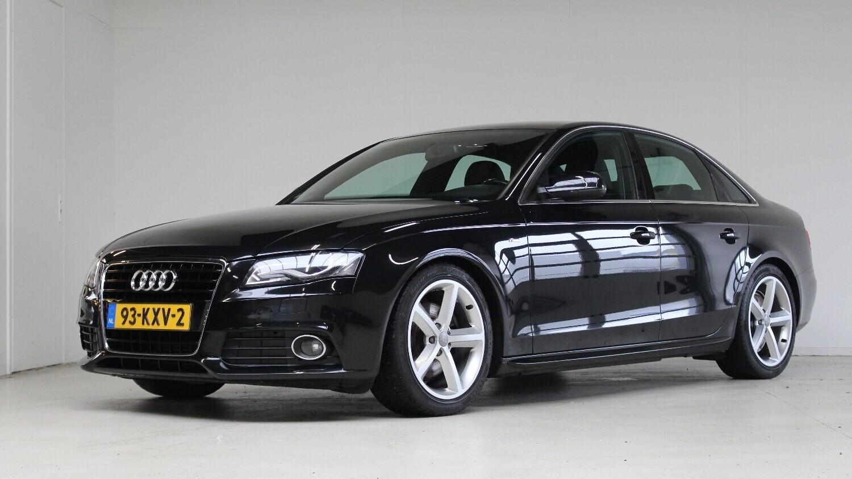 Audi A4 Sedan 2010 93-KXV-2 1