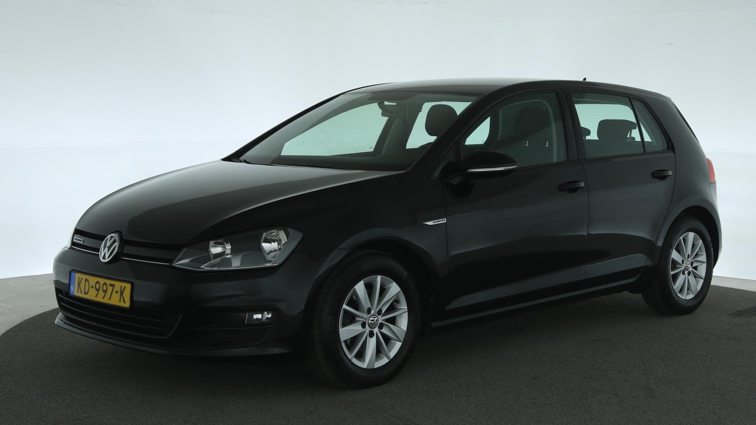Volkswagen Golf Hatchback 2016 KD-997-K 1