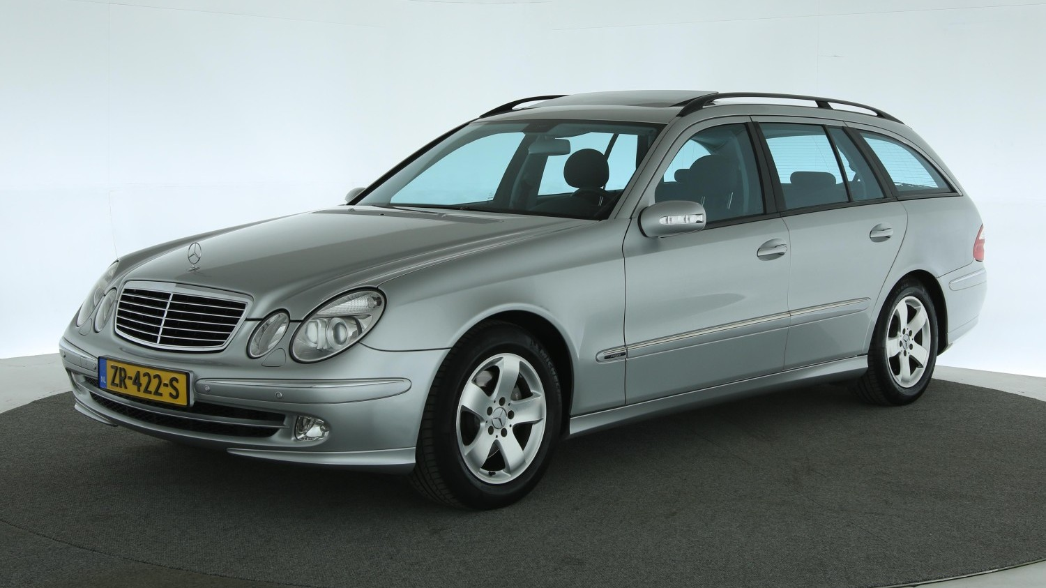 Mercedes-Benz E-Klasse Station 2003 ZR-422-S 1