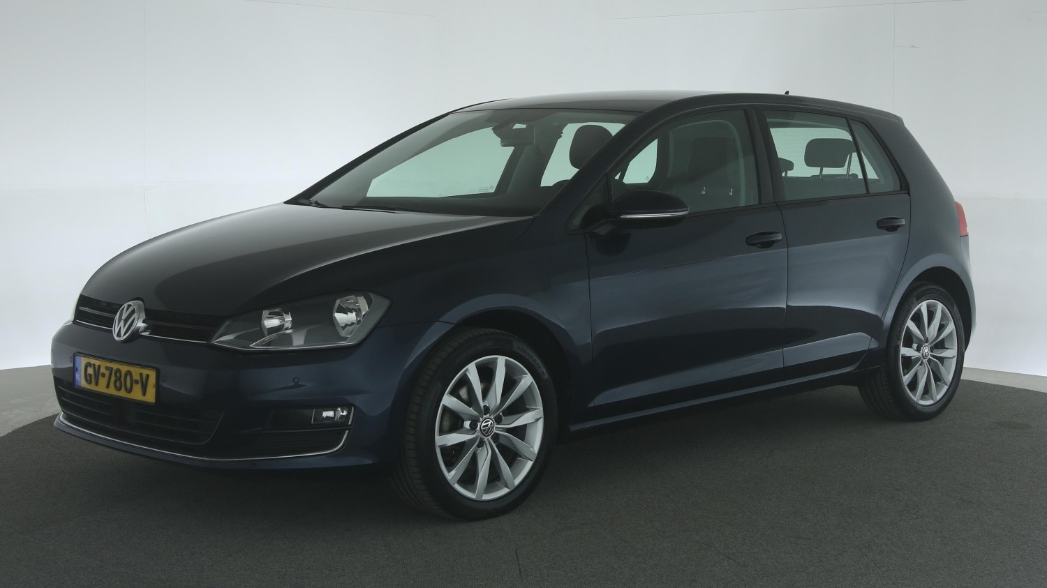 Volkswagen Golf Hatchback 2015 GV-780-V 1