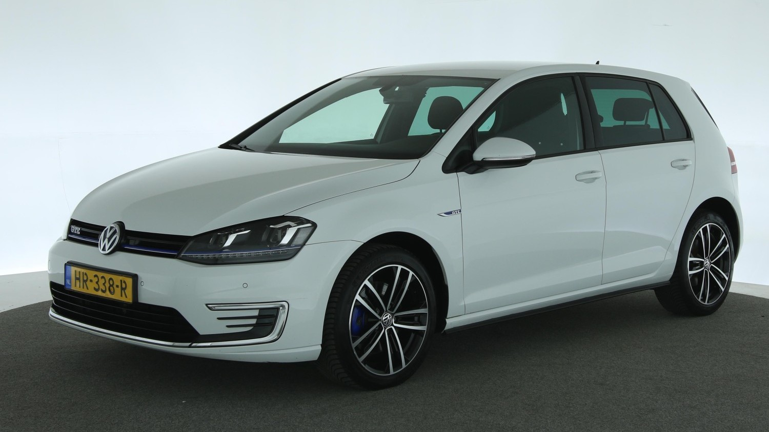 Volkswagen Golf Hatchback 2015 HR-338-R 1