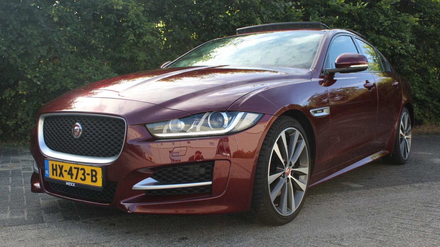 Jaguar XE Sedan 2015 HX-473-B 1