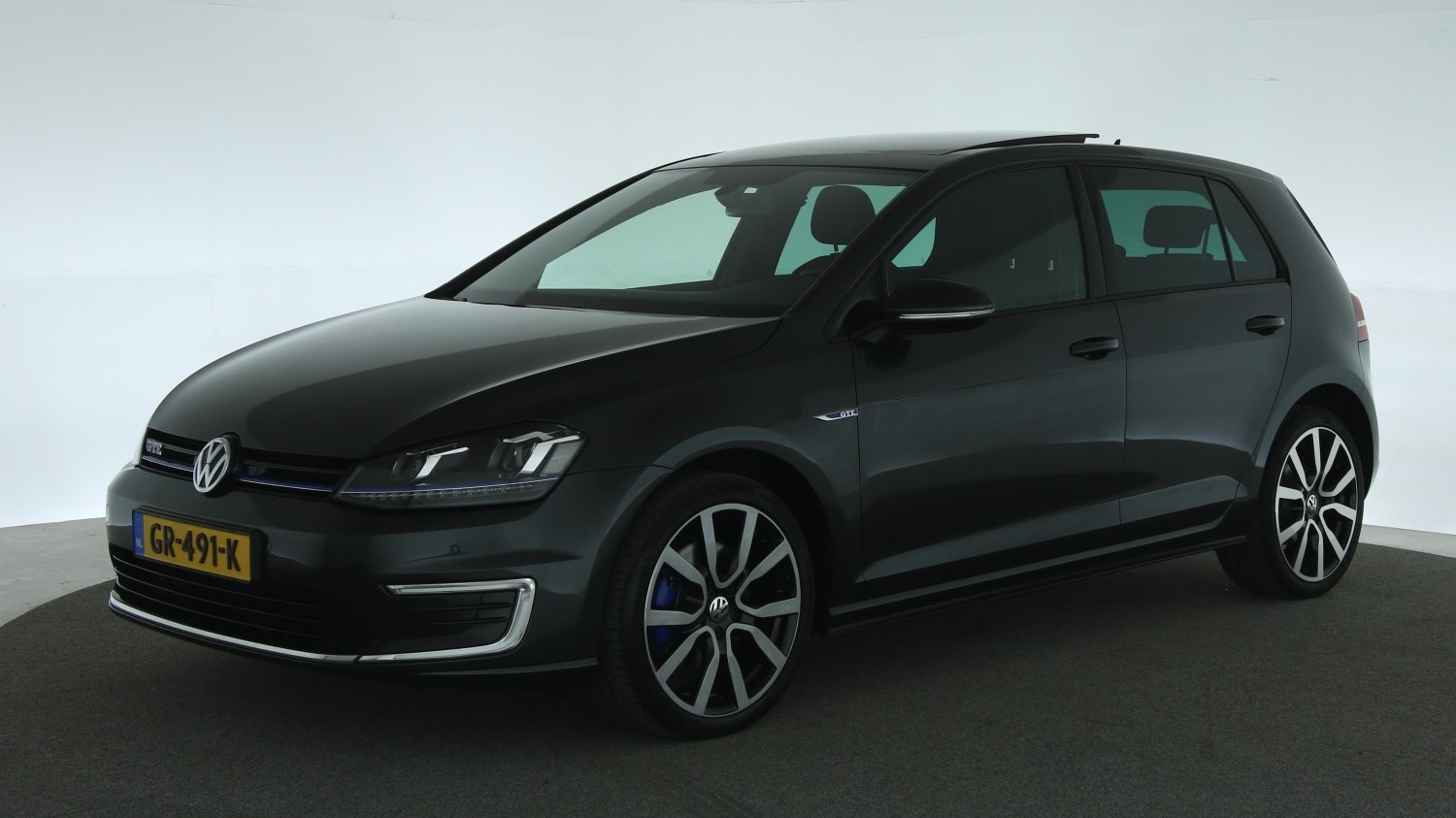 Volkswagen Golf Hatchback 2015 GR-491-K 1
