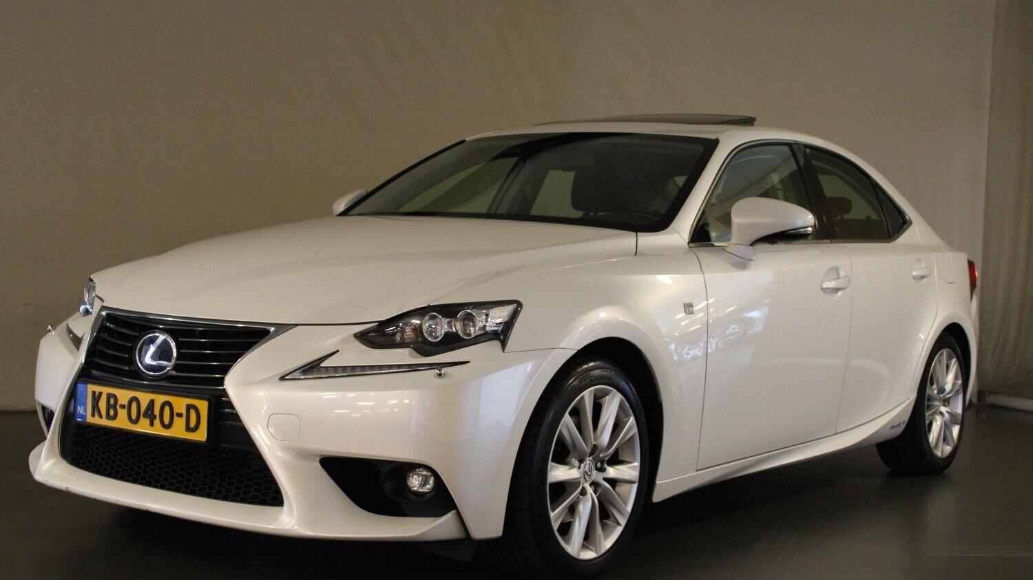 Lexus IS 300 Sedan 2016 KB-040-D 1