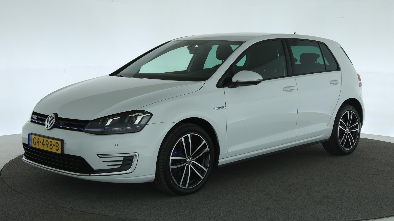 Volkswagen Golf Hatchback 2015 GR-498-B 1