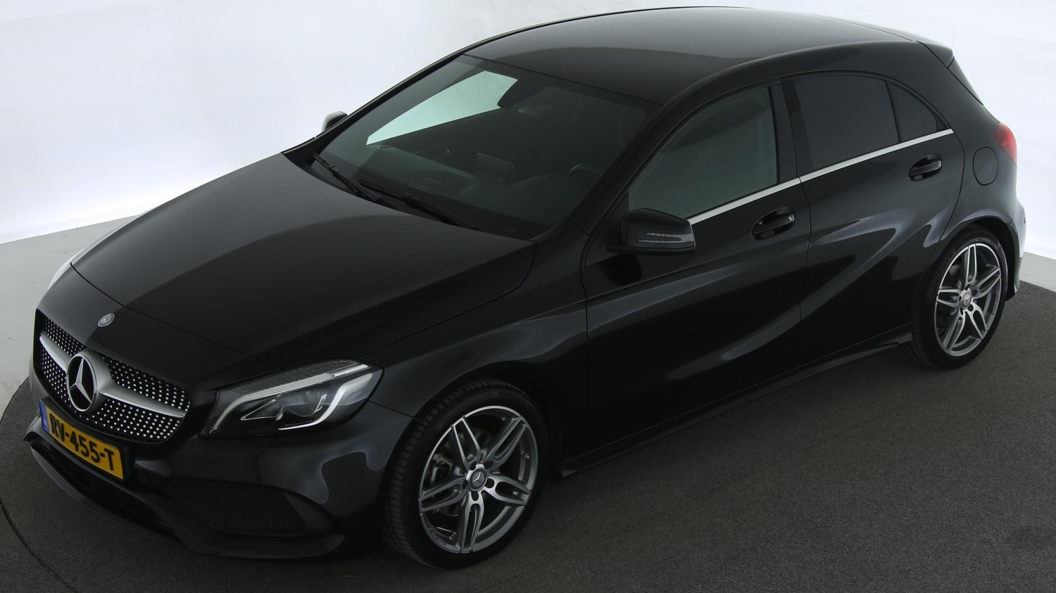 Mercedes-Benz A-klasse Hatchback 2017 RV-455-T 1