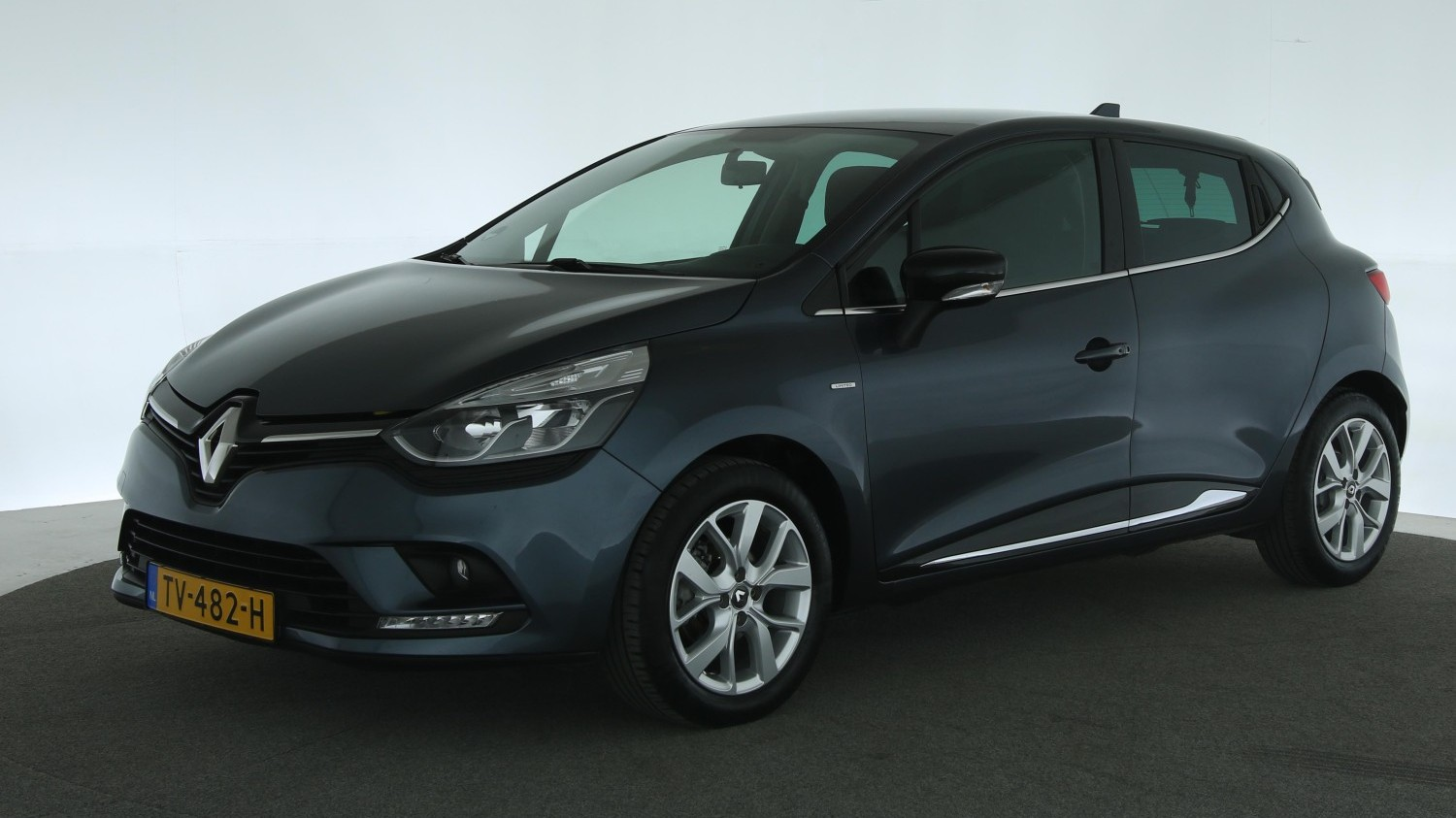 Renault Clio Hatchback 2018 TV-482-H 1
