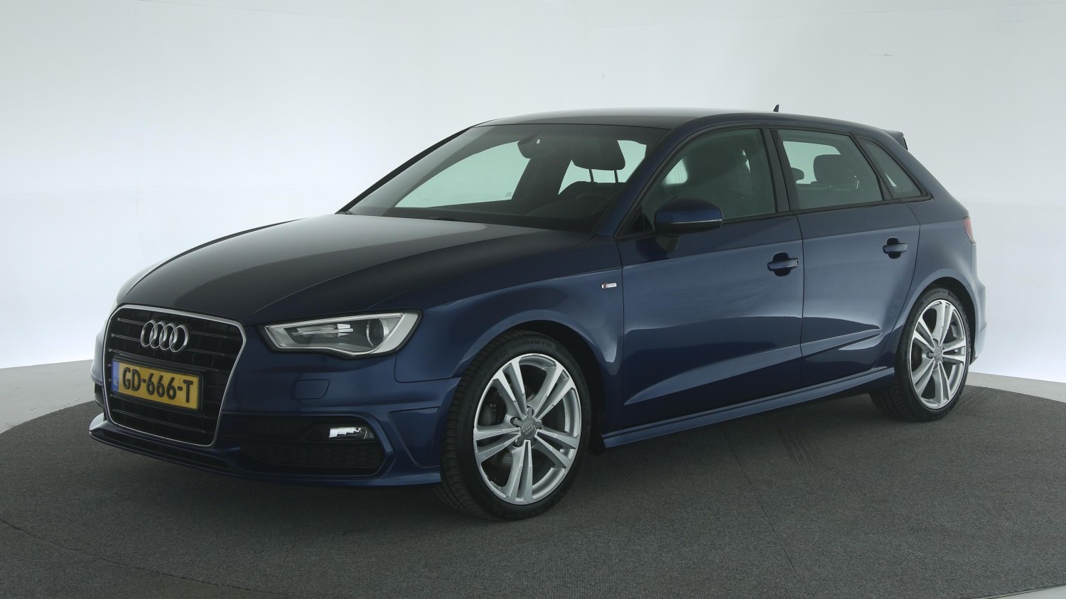 Audi A3 Hatchback 2015 GD-666-T 1