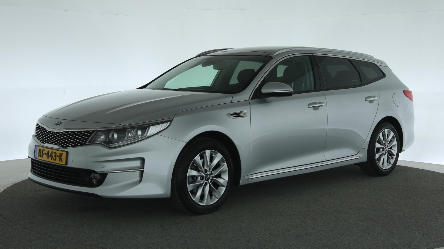 Kia Optima Station 2017 RF-443-K 1