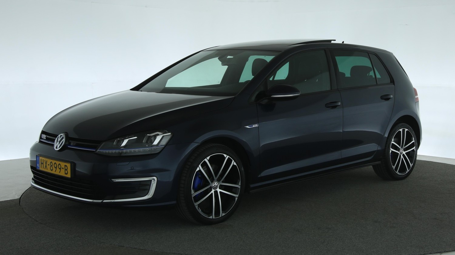 Volkswagen Golf Hatchback 2015 HX-899-B 1