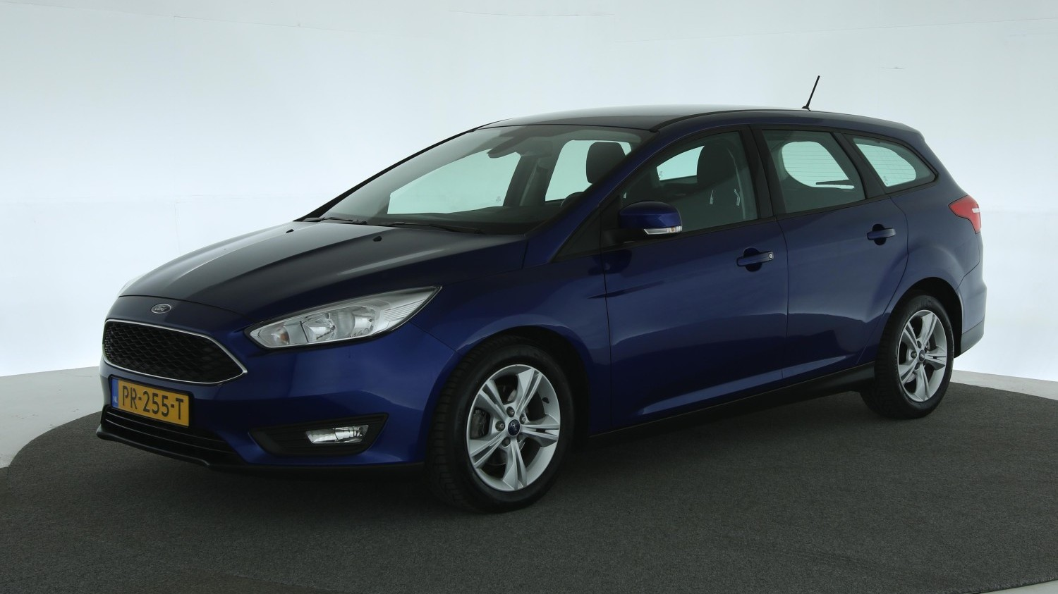 Ford Focus Station 2017 PR-255-T 1