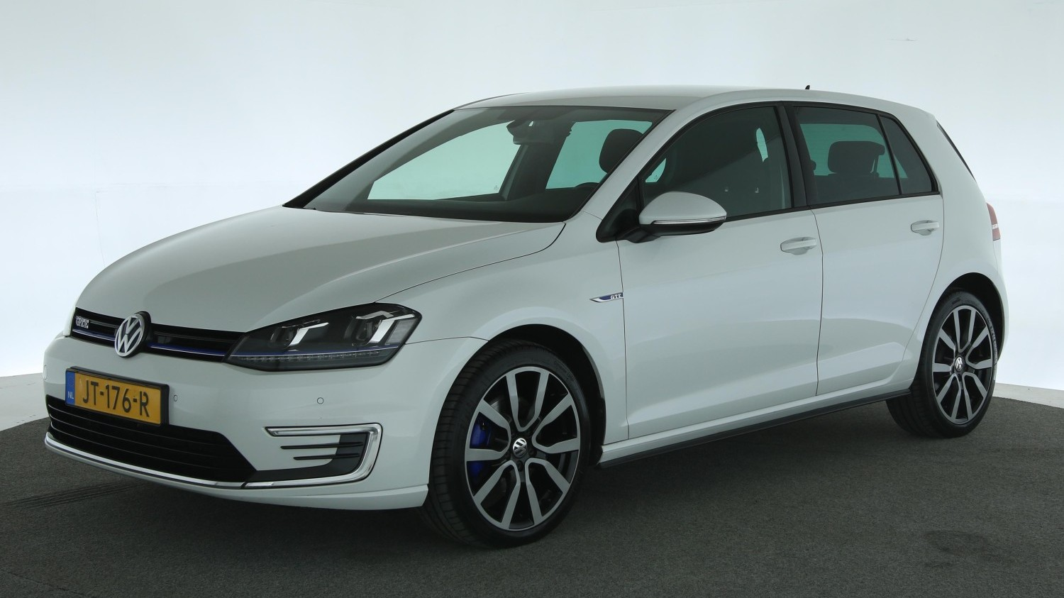 Volkswagen Golf Hatchback 2015 JT-176-R 1
