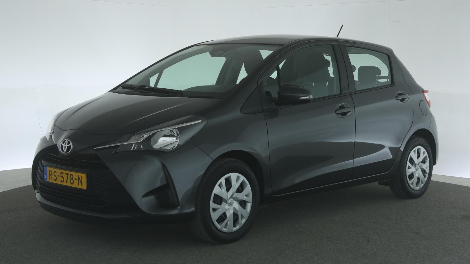 Toyota Yaris Hatchback 2018 RS-578-N 1