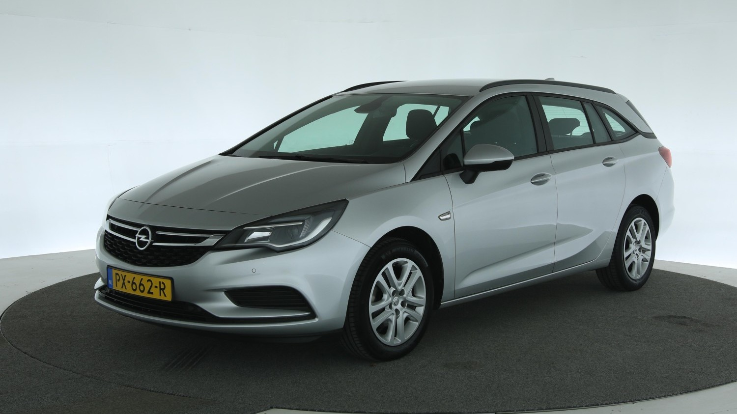 Opel Astra Station 2017 PX-662-R 1