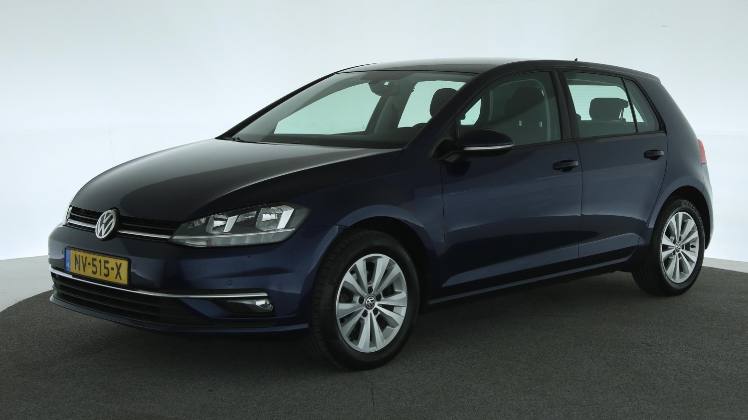 Volkswagen Golf Hatchback 2017 NV-515-X 1