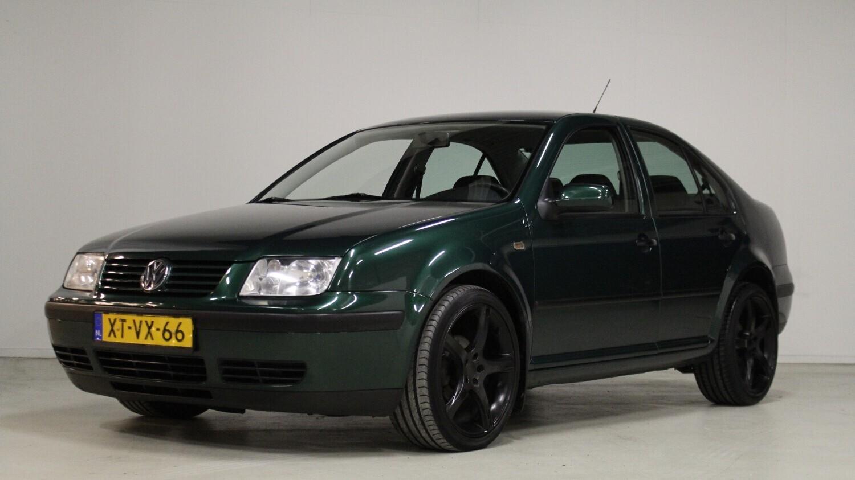 Volkswagen Bora Sedan 1999 XT-VX-66 1