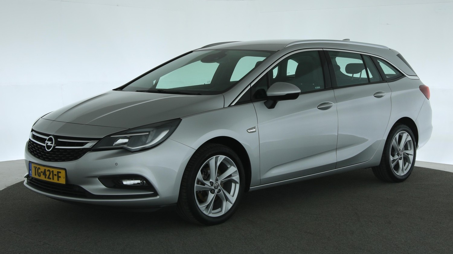Opel Astra Station 2017 TG-421-F 1