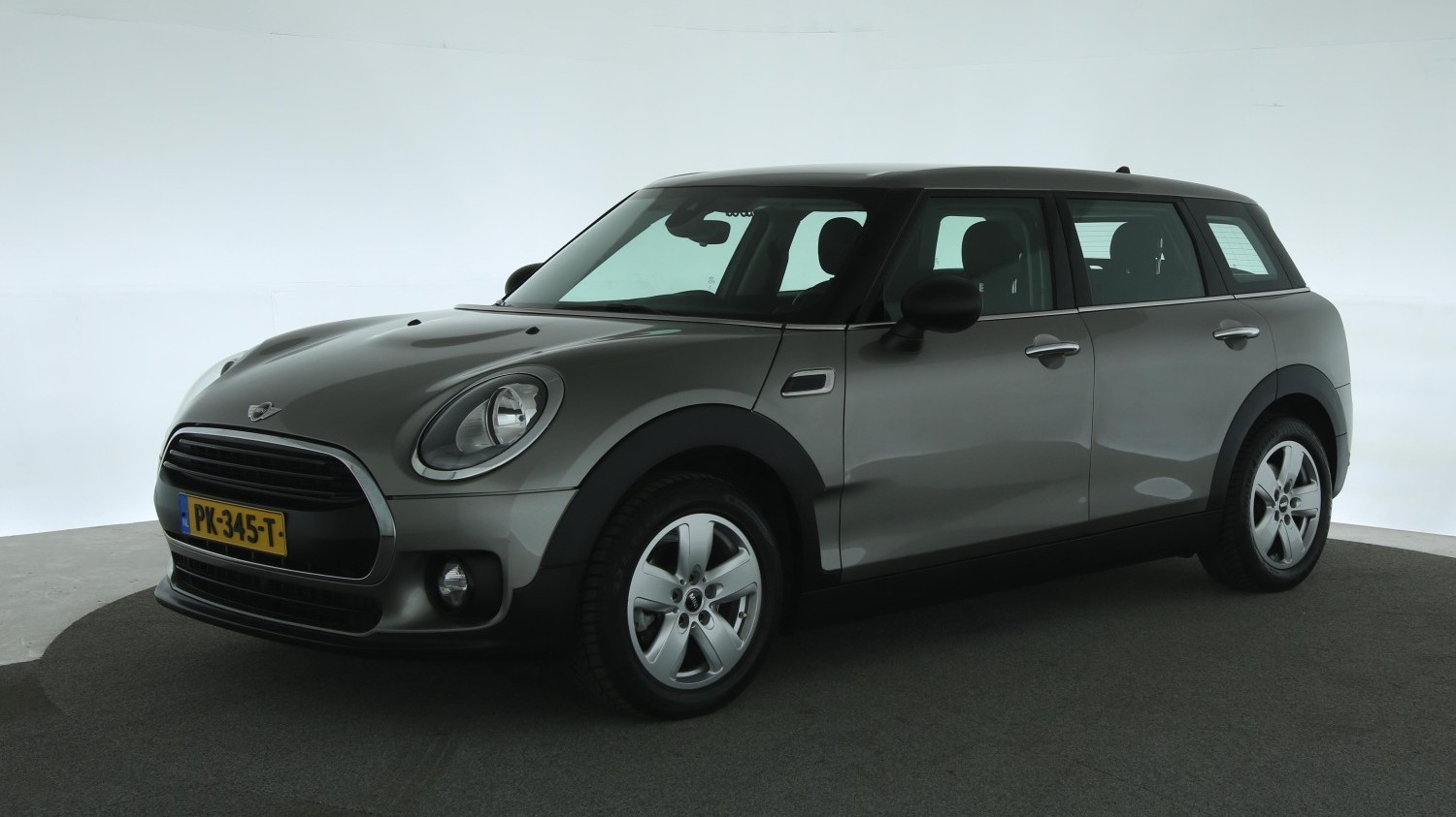 Mini Clubman Station 2017 PK-345-T 1