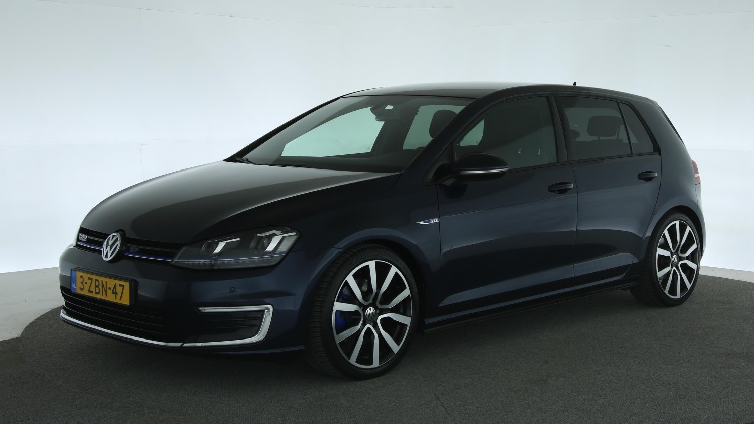 Volkswagen Golf Hatchback 2014 3-ZBN-47 1