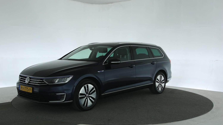 Volkswagen Passat Station 2015 HR-775-P 1