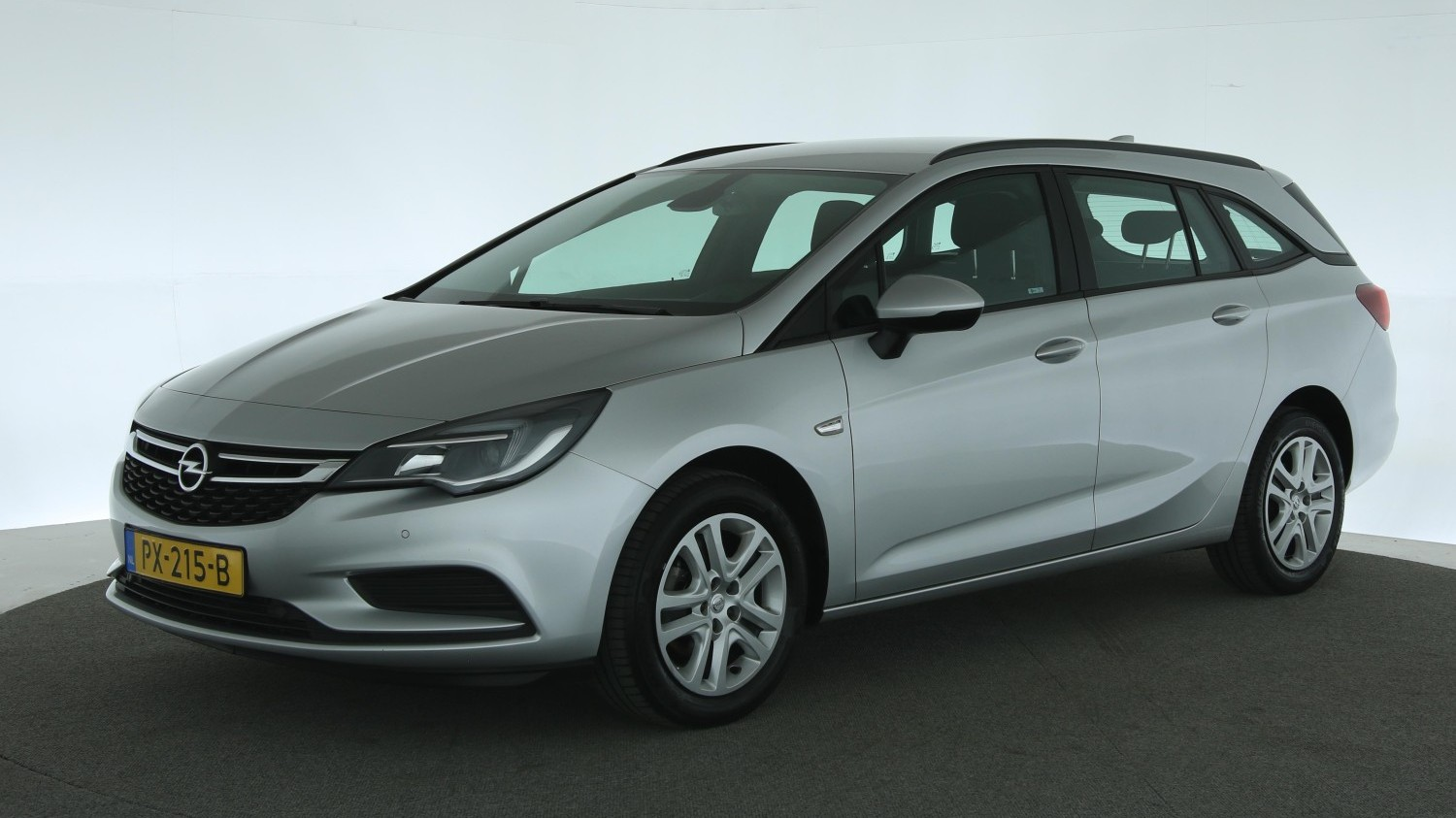 Opel Astra Station 2017 PX-215-B 1