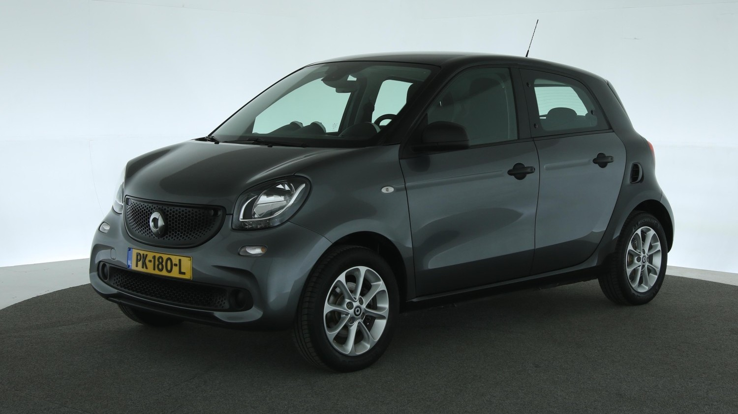 Smart Forfour Hatchback 2017 PK-180-L 1