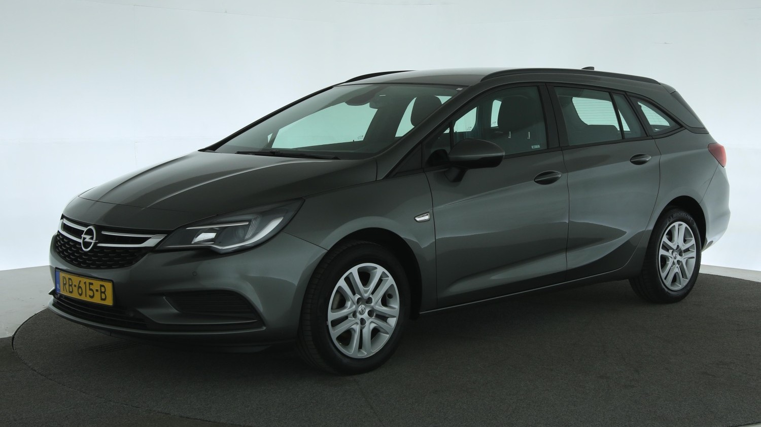 Opel Astra Station 2017 RB-615-B 1