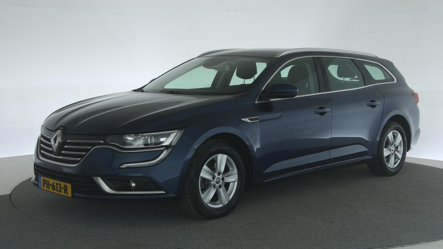 Renault Talisman Station 2017 PH-613-R 1