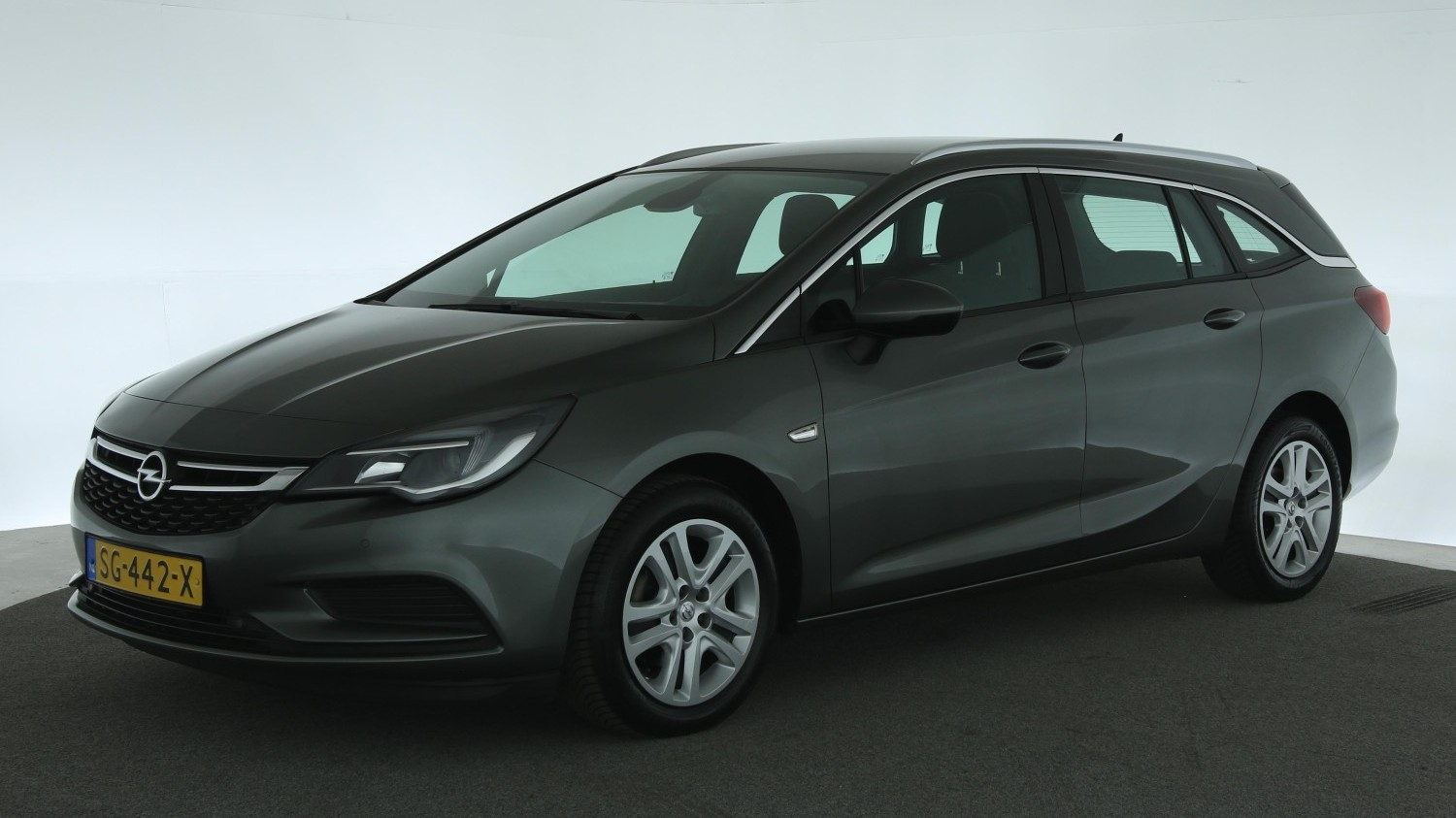 Opel Astra Station 2018 SG-442-X 1