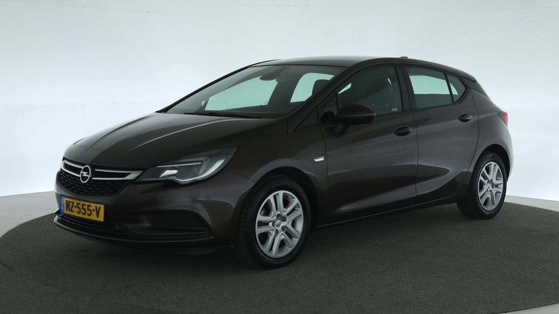 Opel Astra Hatchback 2017 NZ-555-V 1