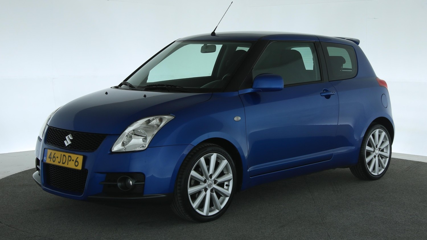 Suzuki Swift Hatchback 2009 46-JDP-6 1